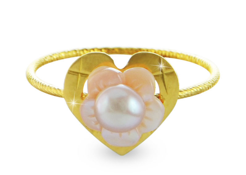 Vera Perla 18k Gold, Delicate Pink Pearl with Flower Shell Heart Ring